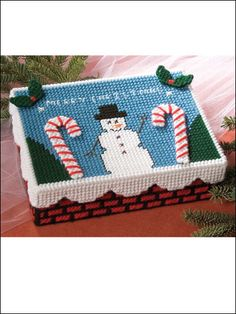 Christmas Card Box free plastic canvas pattern of the day from freepatterns.com 10/11/13