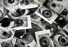 Vivemos em uma era onde a tecnologia elimina a essência dos momentos, dos objetos, da realidade em geral, para deixar apenas a sua aparência, as sombras da realidade, assim como na alegoria da Caverna de Platão.