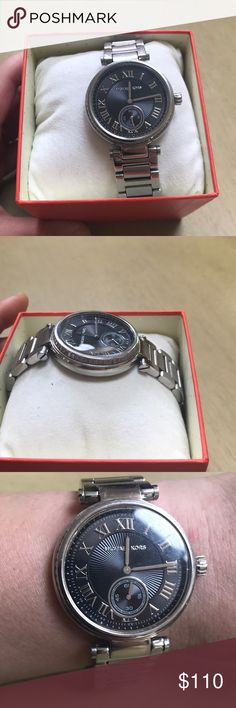 Authentic Michael Kors Watch Nice watch by Michael Kors big face. (Boyfriend watch) has slight scratches on back don't see anything on face. Had bAttery. Purchased 300$ retail. This is chronograph watch. Michael Kors Accessories Watches