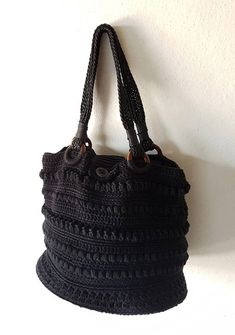 Bag  Black button  Borsa corchet nera con decoro bottone e