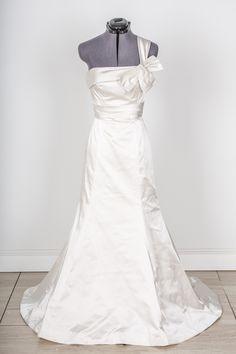 Wedding dresses rent wedding dresses online buy designer wedding