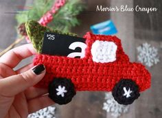 Crochet Gift Card Holder Pattern - Red Truck - Maria's Blue Crayon Gift cards don't have to be boring! This crochet gift card holder disguised as a red truck will make the perfect addition. BONUS: It doubles as an ornament! Crochet Christmas Ornaments, Christmas Crochet Patterns, Holiday Crochet, Crochet Gratis, Free Crochet, Easy Crochet, Christmas Gift Card Holders, Christmas Gifts, Christmas Decorations
