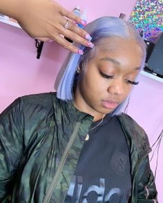 66 Chic Short Bob Hairstyles & Haircuts for Women in 2019 - Hairstyles Trends Baddie Hairstyles, Short Bob Hairstyles, Colored Weave Hairstyles, Black Hairstyles, School Hairstyles, Vintage Hairstyles, Summer Hairstyles, Curly Hair Styles, Natural Hair Styles