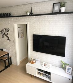 26 Ideas Home Wallpaper Brick Apartment Wallpaper, Home Wallpaper, Wallpaper Ideas, Home Living Room, Living Room Designs, Diy Apartment Decor, Small Apartments, House Rooms, New Homes