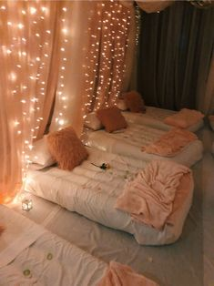 sleepover room 35 Unusual Article Uncovers the Dec - sleepover Birthday Sleepover Ideas, Sleepover Room, Sleepover Activities, Birthday Party For Teens, Slumber Parties, 13th Birthday, Spa Birthday, Dream Rooms, Dream Bedroom