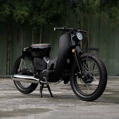 Honda Cub, C90 Honda, Custom Mini Bike, Custom Bikes, Honda Bikes, Valentino Rossi, Super Bikes, Vintage Motorcycles, Motogp
