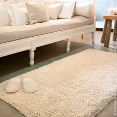 Cotton, acrylic and silk make Shag Bath Rug by Abyss & Habidecor a paradise for the feet. In several colors. Linen, Down Comforter, Banner Elk, Bath, Luxury Linen, Down Comforters, Rugs, Bath Rugs, European Linens