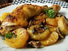 Oloupané brambory a pórek nakrájíme na kolečka, žampiony na plátky. Stehna osolíme a opepříme.Pekáček vymažeme máslem a na dno dáme smíchané... Czech Recipes, Food Dishes, Chicken Wings, Stuffed Mushrooms, Food And Drink, Health Fitness, Cooking Recipes, Treats, Dinner