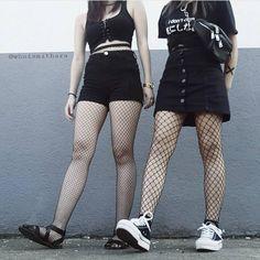 フォロワー45.2千人、フォロー中38人、投稿498件 ― Grunge & alternative style ♡さん(@stunnedsoul)のInstagramの写真と動画をチェックしよう Grunge Outfits, Grunge Fashion, Gothic Outfits, Dark Fashion, Gothic Fashion, Fashion Outfits, Black Converse Low, Outfits With Converse, Fandom Outfits