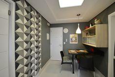 Cozinha descolada! Projeto Arquiteta Cristina Gavranic  Ladrilhos hidráulicos, piso Portobello e parede cinza Projeto Arquiteta Cristina Gavranic