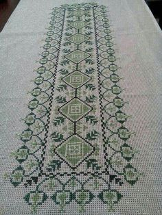 vintage linen embroidered table runner Floral Cross by Retroom Cross Stitch Kitchen, Just Cross Stitch, Cross Stitch Borders, Cross Stitch Art, Cross Stitch Designs, Cross Stitching, Cross Stitch Patterns, Bird Embroidery, Cross Stitch Embroidery