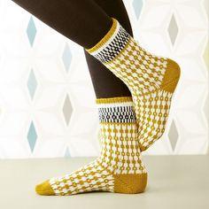 Ravelry: Soxx No. 08 pattern by Kerstin Balke Knitting Patterns Free, Free Knitting, Stine Und Stitch, Knit Crochet, Crochet Hats, Fingerless Mitts, Patterned Socks, Colorful Socks, My Socks