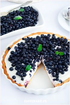 Tarta z mascarpone i jagodami - I Love Bake Sweet Recipes, Cake Recipes, Dessert Recipes, Delicious Desserts, Yummy Food, Sweet Cakes, How Sweet Eats, My Favorite Food, Food Porn