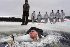 45 Commando Royal Marines, Commando Logistics Regiment (CLR) and Commando Helicopter Force (CHF) conduct ice breaking drills [Picture: PO(Phot) Sean Clee] Marine Commandos, Army Training, Military Special Forces, British Armed Forces, Military Units, Royal Marines, War Photography, Face Characters, Royal Navy