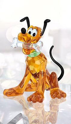 Swarovski Crystal, Disney Pluto - New Ideas Disney Figurines, Glass Figurines, Swarovski Crystal Figurines, Swarovski Crystals, Disney Kunst, Disney Art, Glass Animals, Crystal Collection, Black Crystals