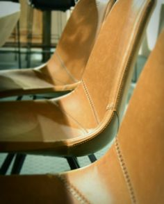 Lederen stoelen #interieur #stijlvol #lederenstoel
