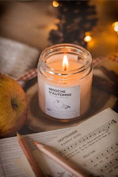 New Pic Soy Candles photography Ideas Thinking about the concept of transforming into a luminous made of wax maker and conducting luminous Cozy Aesthetic, Autumn Aesthetic, Christmas Aesthetic, Vegan Candles, Soy Candles, Scented Candles, Quebec, Fond Design, Photo Candles