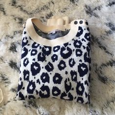Leopard Sweater Chunky leopard sweater by gap in Navy and cream. This is nylon and wool. GAP Sweaters Crew & Scoop Necks