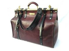 Weekender Travel Bag in Mulberry coloured Leather with Brass