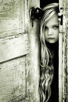 Little+Girl+Lost.jpg 333×500 ピクセル