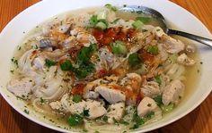Hühnersuppe mit Reisnudeln (Khao Biek) #Suppe #Reisnudeln #Huhn