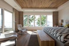 Beautiful cabin on the shores of Lake Okanagan