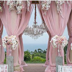 Such a gorgeous wedding decor. Pink Wedding Decorations, Ceremony Decorations, Wedding Centerpieces, Wedding Favors, Wedding Locations, Wedding Events, Wedding Ceremony, Dream Wedding, Wedding Day