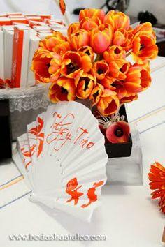 Hermoso Ramo de Tulipanes en color naranja ideal para tu boda en playa por Bodas Huatulco