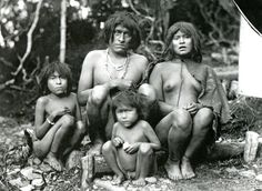 Selk'nam indigenous people of Tierra Del Fuego, Chile. Photographed by Martin Gusinde, in Ecuador, Latina, Patagonia, Southern Cone, Melbourne Museum, Beauty Around The World, King Of Kings, Native American Indians, Native Americans