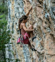Our women's mountain climbing apparel includes mindfully designed climbing jeans, fashion garments, pants and leggings. Climbing Girl, Climbing Outfits, Sport Climbing, Ice Climbing, Mountain Climbing, Climbing Clothes, Climbing Pants, Climbing Holds, Rock Climbing Training