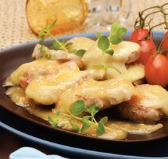 MEAT WEEK Baked pork fillet with smoked cheese and white wine sauce Pork Fillet, Smoked Cheese, Baked Pork, Wine Sauce, Cooking Time, Family Meals, Food To Make, Food Processor Recipes, Food Porn