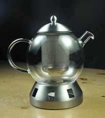 The VTW Tea Pot is great for entertaining a small group. It is made of glass and is heat-resistant up to 356 degrees F. Stand, strainer and lid are made of 18/10 stainless steel. Teapot holds 5.5 cups