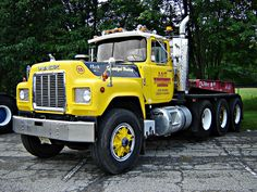 A&T Towing Service Mack R   Flickr - Photo Sharing!