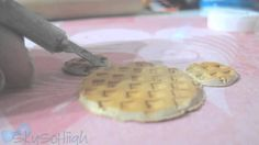 (: Sooo , i was gonna add some strawberry drizzle on top, but i decided not to :P This was supposed to . Mickey Waffle Maker, Heart For Kids, Cookies Et Biscuits, Waffles, Mickey Mouse, Strawberry, Make It Yourself, Breakfast, Sweet
