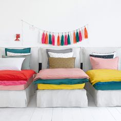 20 Light Traditional Decor Style Trending This Summer - Home Decoration Experts Cosy Bedroom, Kids Bedroom, Deco Kids, White Rooms, Traditional Decor, Kid Spaces, New Room, Linen Bedding, Bed Linen