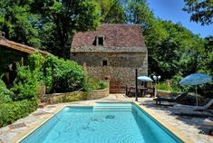 Dordogne, Limousin, Country Decor, Travel Guide, Beautiful Places, Camping, France, Rustic, Outdoor Decor