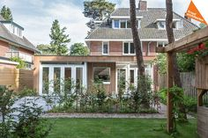 Renovatie 2-onder-1-kap woning Zeist - Kraal architecten - DEF_02 Style At Home, House Extensions, New Homes, Cabin, Windows, Mansions, House Styles, Modern, Image