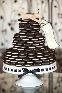 An Oreo Cookie Wedding Cake! | Cariad Photography | See More: http://heyweddinglady.com/spring-green-southern-wedding-with-a-travel-theme/
