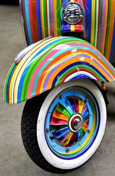 A Rainbow of Colors.Colorvision on a Vespa piaggio scooter by CitroenAZU Happy Colors, True Colors, All The Colors, Bright Colors, Accent Colors, Taste The Rainbow, Over The Rainbow, World Of Color, Color Of Life