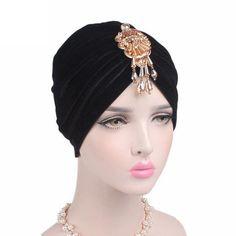 Turban avec broche intégrée en velours