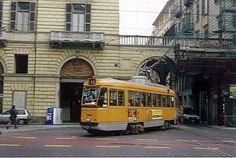 Elettromotrice ATM Torino 3103 in servizio sulla linea 15 presso la stazione di Torino Porta Nuova (novembre 1993)