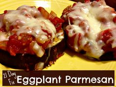 Carnivores and vegetarians alike will LOVE this simple Eggplant Parmesan recipe. It does away with deep frying, and you might even like it more. Not only does ditching the fry oil save hundreds of calories, but it also makes this a quick and easy dinner to make — and clean up — on a weeknight. 21 day fix approved #meatlessmonday meal