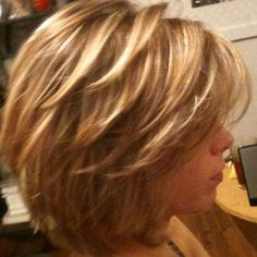 Layered Bob Hairtyle, Hair Blonde 2017 Without, Short Layered Haircut Brown Hair, Hair Layered Highlights Blonde Short Layered Haircuts, Layered Bob Hairstyles, Short Layered Bobs, Hairstyles Haircuts, Layered Bob Thick Hair, Layered Haircuts Shoulder Length, Medium Shag Haircuts, 2018 Haircuts, Haircut Short