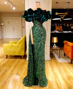 Find the perfect gown with Pageant Planet! Browse all of our beautiful prom and pageant gowns in our dress gallery. There's something for everyone, we even have plus size gowns! Gala Dresses, Event Dresses, Pageant Dresses, Formal Dresses, Quince Dresses, 15 Dresses, Quinceanera Dresses, Couture Fashion, Runway Fashion