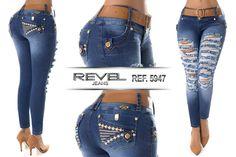 Pantalón jeans colombiano levanta cola