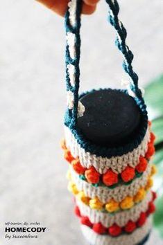 물병도 봄맞이해요~♪ 튤립 물병주머니 뜨기 : 네이버 블로그 Friendship Bracelets, Crochet Necklace, Knitting, Pattern, Jewelry, Crochet Bags, Coaster, Wine Racks, Knit Bag