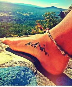 Ummm so yea- so going to get this!! Prob find a saying or verse to go with it. But this is on my must tattoo list #mountainsforlife