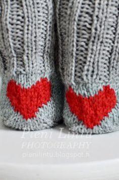 socks with hearts from pienilintu.blogspot.com