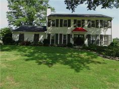 This Germantown listing of The Memphis Is Home Team was sold in record time! Talk about HAPPY HAPPY sellers!