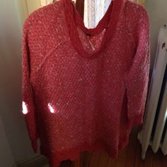 Coral Free People Sweater Coral Free People sweater. Tunic length. Looks great with a scarf and layers well with other pieces. Free People Sweaters Crew & Scoop Necks